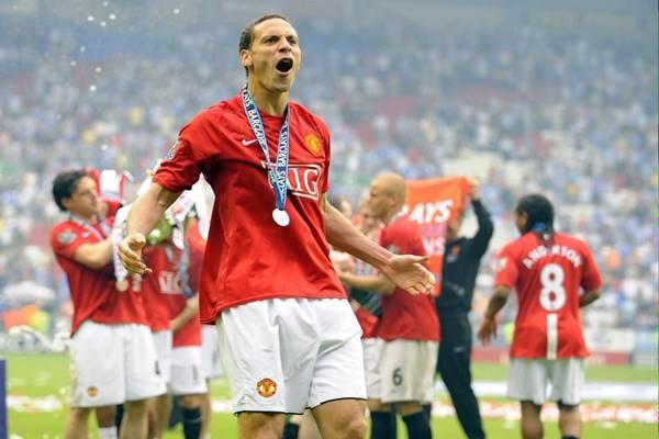 Rio Ferdinand - thủ môn bất đắc dĩ năm 2008